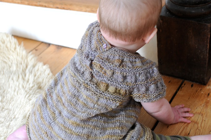 8a72fcb8171e SouleMama  a baby in a handknit