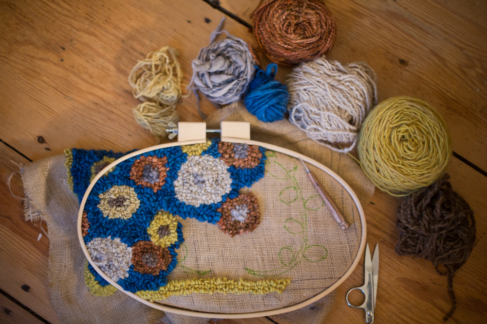 So Maybe I Misspoke Last Week When Told You Wouldn T Have Time For Rug Hooking Until After The New Year Hardly Put Hook And Hoop Away