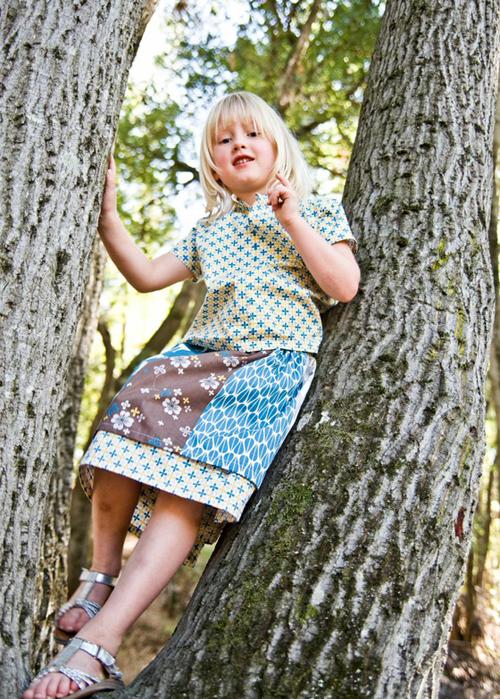 Bella in tree SM