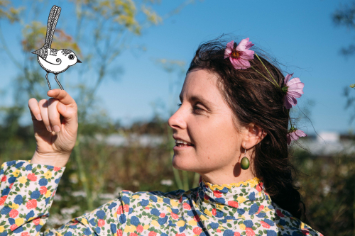 Annie&birdcloseup