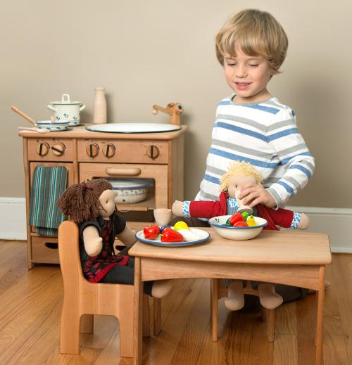 Elsas-Kitchen_boy